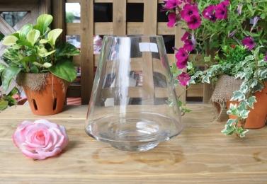 造型玻璃花器    HP2431